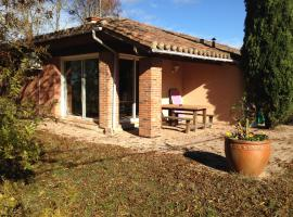 Holiday Home Le Fiouzaire, L'Isle-Jourdain