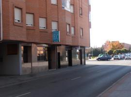 Hostal ** EC León, León