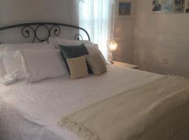 Hye-Way Haus Bed & Breakfast