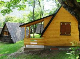 Camp Borasnica Bungalows, Jezero (Ježeprosina yakınında)