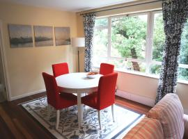 Beautiful 2 Bedroom Private Apartment