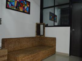 Hotel Reina Isabel, Silvania