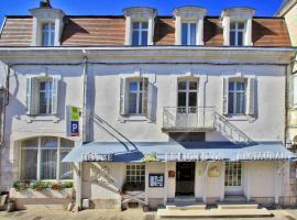 Hôtel Le Lion d'Or, Chauvigny (рядом с городом Saint-Martin-la-Rivière)
