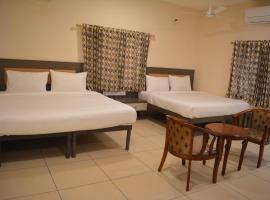 Hotel Sownthariyam, Palni (рядом с городом Dhārāpuram)