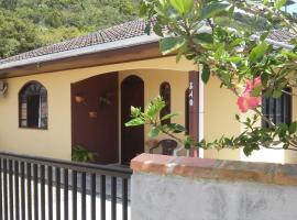 Casa para temporada em Bombinhas SC, Bombinhas (Porto Belo yakınında)