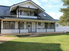Kuru Villa, Kuru (Alajõe yakınında)