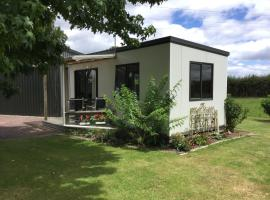 Country Cabin - Guest House, Matangi