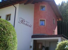 Haus Perchtold, Huben
