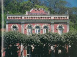 Hotel Villas, Cataguases (Santo Antonio do Aventureio yakınında)