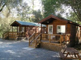 Ponderosa Camping Resort One-Bedroom Cabin 1