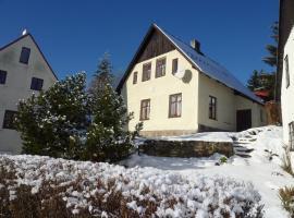 Emily House, Abertamy (Hřebečná yakınında)