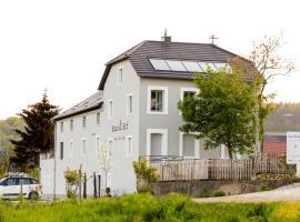 Haus & Hof Guest House, Перль (рядом с городом Apach)