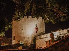 Dimora Storica Torre Del Parco 1419, Lečė