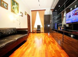 Apartments on per Degtyarniy 5