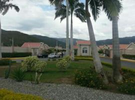 Caymanas Estate House, Portmore (Braeton yakınında)
