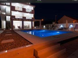 Villa Sandy Apartments, Tivat