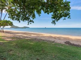 Sea Temple Palm Cove Apt 316