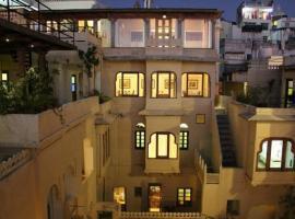 Hotel Bhavya Mansion, Dūngarpur (рядом с городом Kherwāra)