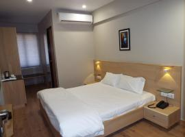 Hotel Berlin, Gandhinagar (рядом с городом Adalaj)