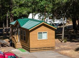 Russian River Camping Resort Cottage 9, Cloverdale