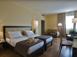 Hotel Cruise, Lucino (Villa Guardia yakınında)
