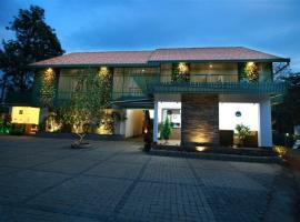 GEH Silver Storm Resort Athirappilly, Athirappilly (рядом с городом Poringalkuthu)