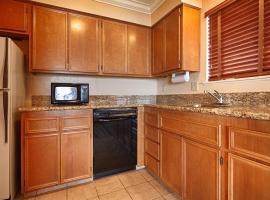 Best Western Plus Lincoln Sands Oceanfront Suites, Bandar Lincoln