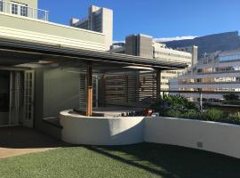 City Rooftop Garden Apartment