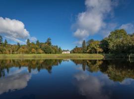 Lough Rynn Castle, Mohill (рядом с городом Annaghmore)