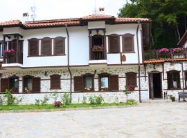 Динчова къща