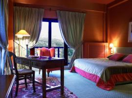 Country Club Hotel & Suites, Mikrón Khoríon