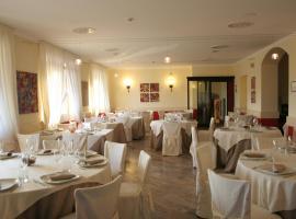 Hotel Bel Sit, Comerio