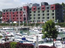 Hotel du Casino, Сен-Валери-ан Ко (рядом с городом Saint-Sylvain)