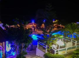 Daymond Blue Tropical Lodge