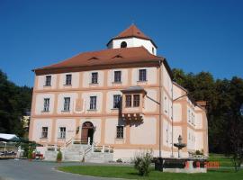 Hotel Garni Schloss Schönberg, Bad Brambach (Hazlov yakınında)