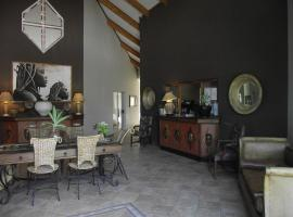 Out of Africa Town Lodge, Otjiwarongo (Near Waterberg Plateau Park)