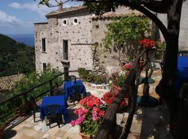 A Taverna Intru U Vicu, Belmonte Calabro (Lago yakınında)