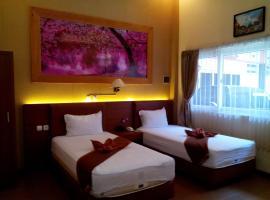 Hotel Kencana Pati, Pati (рядом с городом Pasarbangi)