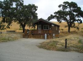 San Benito Camping Resort One-Bedroom Cabin 5, Paicines (in de buurt van Soledad)