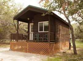 San Benito Camping Resort Studio Cabin 2, Paicines (in de buurt van Soledad)