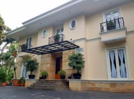 Colonnade Residences