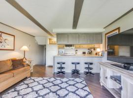 Affordable Waterfront Retreat, Sandpoint