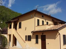Il Borgo delle Stelle, Giano dell'Umbria (Moriano yakınında)