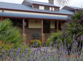 Greendale House B&B, Indented Head