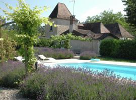 Maison De Vacances - Eyliac, Saint-Pierre-de-Chignac (рядом с городом Milhac-d'Auberoche)