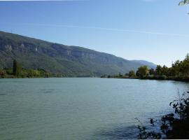 La Source, Porcieu-Amblagnieu (рядом с городом Montagnieu)