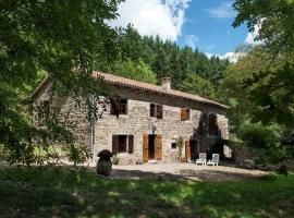 A Beautiful Stone farmhouse, Saint-Bonnet-le-Froid