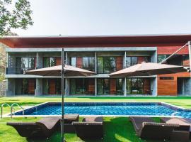 Stucco Loft Residency