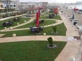 Maamoura Plaza, İskenderiye ('Izbat al 'Arab yakınında)