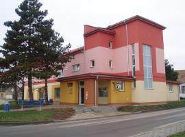 Kulturně Společenské Centrum, Hrušky